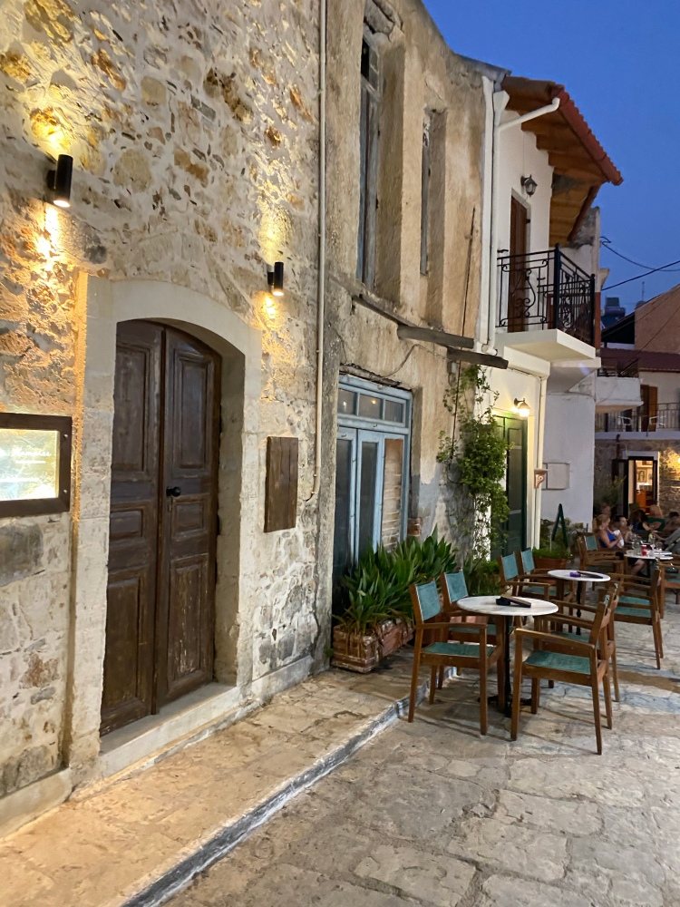 The beautiful streets of Panormos