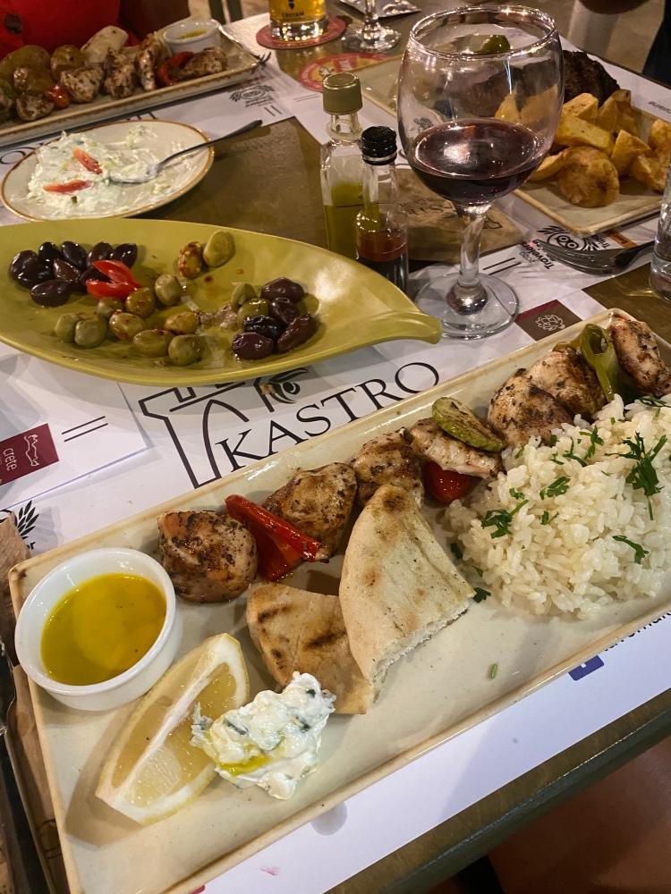 The gorgeous chicken souvlaki at Kastro