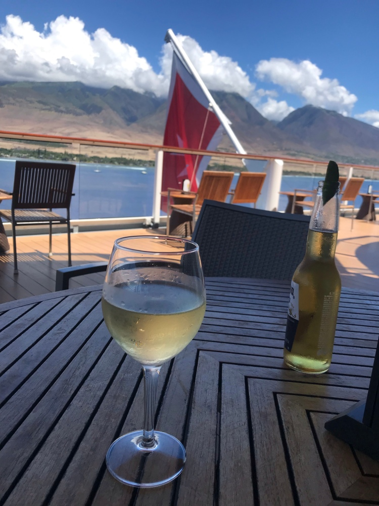 Drinks with a view of Maui